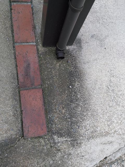 駐車場の汚れ